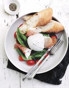 poached eggs & parma ham