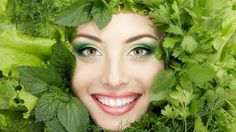 Learn how to get rid of melasma once and for all using natural herbs that have strong skin llightening properties you should take advantage of. Most Nutritious Vegetables, Veggies, Skin Lightening Cream, Easy Face Masks, People Eating, Prevent Wrinkles, Natural Herbs, Korn, Healthy Skin