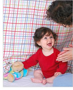 2 activities per month to try with your baby, goes up until age Infant Activities, Activities For Kids, 7 Month Old Baby, Baby Monat Für Monat, 8 Month Olds, Movement Activities, Babies First Year, Baby Play, Infant Play