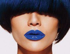 Nel rossetto blu dipinto di blu