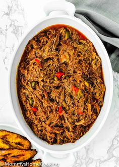This Venezuelan Shredded Beef recipe is amazing! It's tender, juicy, and so flavorful. Make a big batch, and you can have something different with it for days. @mommyshomecookin #recipe #venezuela #carnemechada #ShreddedBeef #beef Carne Mechada Recipe, Venezuelan Food, Venezuelan Recipes, My Recipes, Beef Recipes, Shredded Beef, Food Out, Skirt Steak, Easy Salads