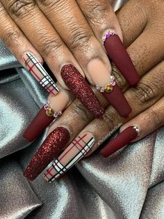 #AcrylicNailsStiletto Bling Nails, Stiletto Nails, Glitter Nails, My Nails, Coffin Nails, Nail Art Designs, Acrylic Nail Designs, Nails Design, Cute Acrylic Nails
