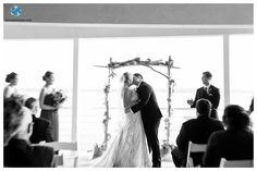 Lesner Inn Wedding | Blue Green Seashore Wedding | Ceremony | First Kiss | Daissy Torres Photography