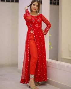 Indian Gowns Dresses, Red Gowns, Indian Fashion Dresses, Indian Designer Outfits, Dress Fashion, Designer Dresses, Fancy Dress Design, Stylish Dress Designs, Stylish Dresses