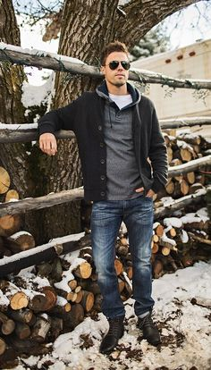 Love this relaxed look.... jeans, sweater, shades... confident + comfortable #MensFashionStyle