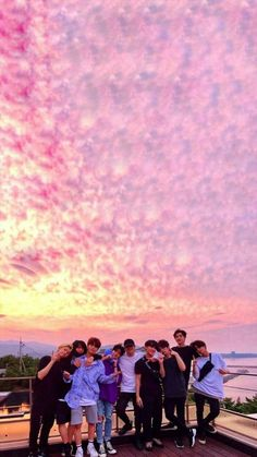 Check out Stray Kids @ Iomoio Kids Wallpaper, Tumblr Wallpaper, Framed Wallpaper, Kawaii Wallpaper, Wallpaper Backgrounds, K Pop, Wallpaper Fofos, Family Holiday Destinations, Felix Stray Kids