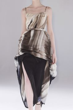 Hussein Chalayan....this was amazing!!! Pfw 13