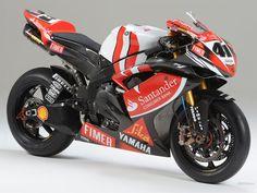 Yamaha YZF-R1 WSB 1024x768_c1646.jpg (1024×768)