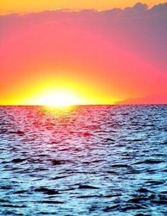 Sunset on the sea Creative Pictures, Nature Pictures, Spring Scenery, Gold Skies, I Need Vitamin Sea, Night Forest, Pretty Wallpapers, Sunset Sky, Sky And Clouds