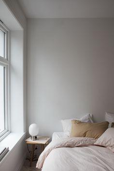 Minimalist bedroom i