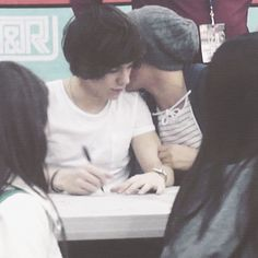 louis and harry Larry Stylinson, One Direction Humor, One Direction Pictures, One And Only, Louis Y Harry, Larry Shippers, True Love, My Love, Just Friends