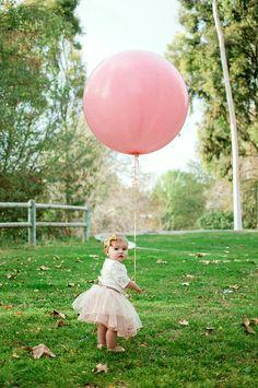First Birthday photos Rose Gold Balloons, Big Balloons, Wedding Balloons, One Balloon, 1st Birthday Pictures, First Birthday Photos Girl, Birthday Ideas, Balloon Tassel, First Year Photos