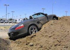 http://www.infomotori.com/auto/2012/02/02/incidenti-porsche-bizzarri-crash-da-tutto-il-mondo/ #incidente #crash #Porsche
