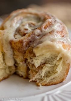 These soft and fluffy cinnamon rolls are the ultimate cinnamon buns. Gooey, soft, tender and perfect. These soft and fluffy cinnamon rolls are the ultimate cinnamon buns. Gooey, soft, tender and perfect. Brownie Desserts, Köstliche Desserts, Delicious Desserts, Dessert Recipes, Yummy Food, Cinnamon Desserts, Lemon Cake Recipes, Cinnamon Drink, Cinnamon Candy