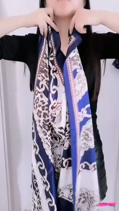 Ways To Tie Scarves, Ways To Wear A Scarf, How To Wear Scarves, Scarf Top, Scarf Dress, Long Scarf, Scarf Wearing Styles, Scarf Styles, Diy Clothes Life Hacks