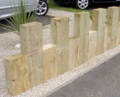 Natural Playground Ideas -Edging - Could do this with left over wood or even log sections - add a hole to the top of the low wood pieces and insert a dowel or rod and hang deer fence - easily removable and looks good year round. Front Yard Fence, Farm Fence, Dog Fence, Fenced In Yard, Horse Fence, Front Yards, Brick Fence, Concrete Fence, Pallet Fence