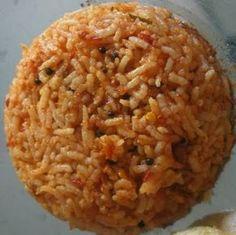 'Griekse' rijst die vaak in restaurants wordt geserveerd met vlees of vis. Makkelijk op smaak te brengen na eigen idee. Dit is gewoon een s...