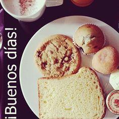 ¡Empezando el domingo cogiendo mucha energía!¡Feliz día! #ideassoneventos #blog #bloglovin #organizacióndeventos #comunicación #protocolo #imagenpersonal #bienestarybelleza #decoración #inspiración #bodas #buenosdías #goodmorning #sunday #domingo #happy #happyday #felizdía #desayuno #breakfast #dulces #sweet #tostadas #magdalena #bizcocho #caféconleche #coffee #ricorico #ñamñam #instafood