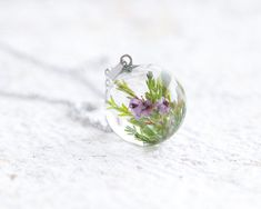 *** DO NOT PLACE AN ORDER if you need it BEFORE CHRISTMAS ! *** A lovely resin necklace with real blooming Heather (lat. Calluna vulgaris) the