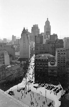 """IV Centenário de São Paulo - Rio Pinheiros, nos anos 60. """"Note que não tem o outro lado da marginal Pinheiros"""""""
