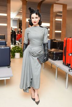 Dita Von Teese at Rimowa x Alexandre Arnault Pop-Up event in Los Angeles on 12 December She wears a dress by John Galliano, Spring 1995 collection. Dita Von Teese Show, Dita Von Teese Burlesque, Dita Von Teese Style, Alexandre Arnault, Curvy Outfits, Fashion Outfits, Burlesque Vintage, Dita Von Tease, Retro Fashion