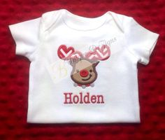 Applique do Natal da rena Onesie ou t-shirt