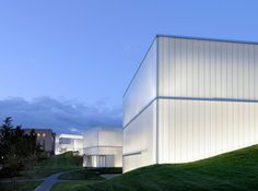 the extension to the Nelson-Atkins Museum of Art in Kansas City/USA by Steven Holl Architects