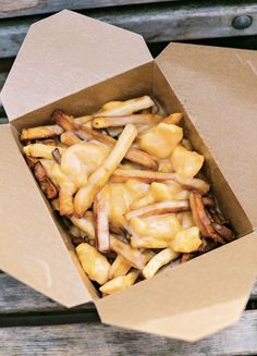 Thankfully for those of us seeking to satiate our craving for obscenely indulgent Canadian poutine, it's no longer a little-known entity. Potato Dishes, Potato Recipes, Canadian Poutine, Poutine Recipe, Great Recipes, Favorite Recipes, Vegetarian Recipes, Cooking Recipes, Cheat Meal