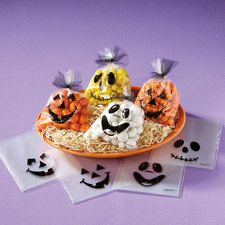 """Halloween Treat Bags by Universalideas on Etsy, $2.40 Stash a few treats behind each amusing Halloween face to create memorable party favors or handouts for trick-or-treaters.   *Plastic bags measure 5 1/2"""" x 7"""" each. * Set of 12 * Assorted Style is 3 of each Bag Style.  https://www.etsy.com/listing/161124074/halloween-treat-bags"""