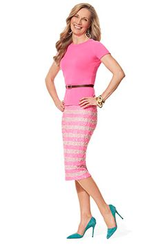 Midiskirts That Flatter Every Shape No more than 5 inches below knee Spring Fashion Trends, Fashion Over 50, Work Fashion, Fashion Looks, Style Fashion, Fashion Tips, Wedding Decor, Skirt Outfits, Pretty Outfits