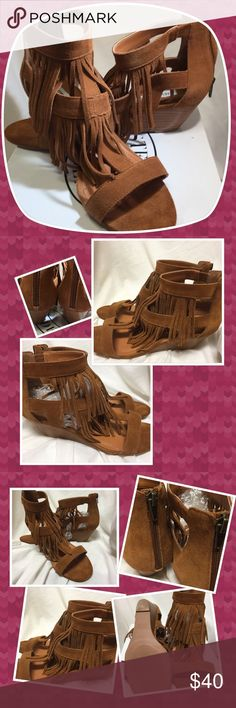 "Steve Madden Brown Suede Fringe Wedge Sandals 9M Steve Madden Amaya, chestnut Suede strappy fringed Sandals, They are a size 9 medium with 21/4"" wedge heels. The edgy fringe flows London from the T-strap on the front of each sandal. They are preowned in exceptional condition. Please look carefully at the pictures, ask for more if needed. Questions welcome. From smoke free home with pets. Steve Madden Shoes Sandals"