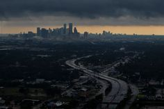 Dramatic aerial views of the flooding in Harvey's aftermath A aerial view of downtown on August 29, 2017 in Houston, Texas. (Photo: Marcus Yam / Los Angeles Times via Getty Images)