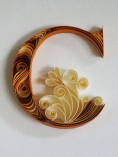 Paper quilling letters is one of the best way to use quilling ideas to make beautiful letters and patterns.Sabeena Karnik paper quilling is popular. Arte Quilling, Quilling Letters, Quilling Designs, Paper Quilling, Paper Letters, Quiling Paper, Quilling Ideas, Origami, Typography Served