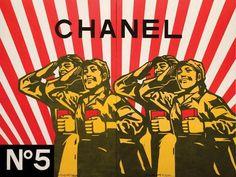 """Résultat de recherche d'images pour """"artiste qui detourne le drapeau communiste"""""""