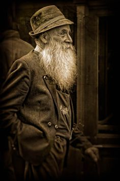 © Mathias Csader. Looks like the picture of my great-grandfather, Pesach (aka Phillip) when he arrived in Winnipeg @1910 from Byelorussia. Only more smiley:-)