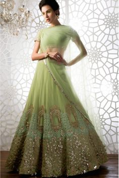 Studio East6 - Indian couture fashion. Hand-made, exclusively designed, and expertly chosen.