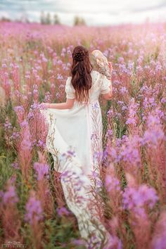 Welcome to my world of lovely things. Dreaming of heaven, dancing in a summer meadow with white horses. Fantasy Magic, Fantasy Art, Foto Nature, Field Of Dreams, Fantasy Photography, Shooting Photo, Belle Photo, Bunt, Wild Flowers