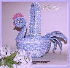 Поделка изделие Пасха Плетение Пасхальная курочка-корзинка Трубочки бумажные фото 1