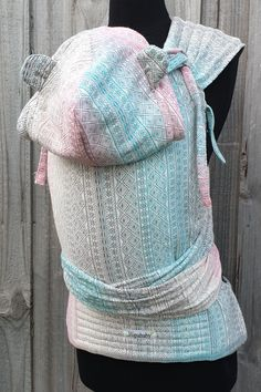 This custom half buckle made from a Didymos Aurora with a removable bear ear hoodie hood, combination (hybrid) straps with an adjustable height and width. Bear Ears, Babywearing, Aurora, Hoodies, Hats, Hat, Baby Wearing, Parka, Infant Clothing