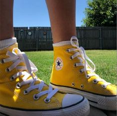Shop Women's Converse Yellow size 6 Sneakers at a discounted price at Poshmark. Description: Bright yellow converse that are perfect for summer. Mode Converse, Yellow Converse, Outfits With Converse, Yellow Shoes, Color Yellow, Diy Converse, Colored Converse, Cool Converse High Tops, Converse Shoes Outfit
