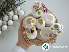 Velikonoční dekorace z vyfouklých vajec, návod