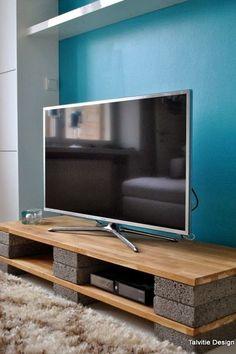 リビング激変!?使える壁面収納&テレビボード集|SUVACO(スバコ) muotoseuraafunktiota.blogspot.fi Diy Tv Stand, Tv Stand Designs, Flat Screen, Electronics, Tv Unit Design, Consumer Electronics