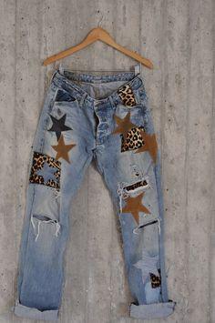 Distressed Vintage Boyfriend Jeans/Hipster Jeans/All Sizes/Grunge Jeans/boho/vintage jeans/womens jeans - Diy Life Vintage Jeans, Jean Vintage, Boho Vintage, Fashion Vintage, Diy Jeans, Jeans Refashion, Women's Jeans, Diy Holy Jeans, Diy Clothes Refashion