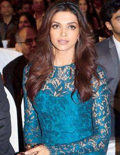 Deepika Padukone wore Amrapali earrings at Colors Screen Awards 2013