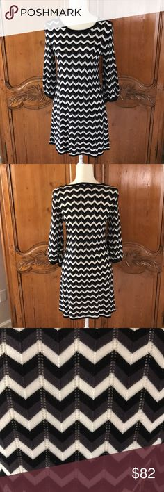 Alice and Olivia Chevron Knit Dress Alice and Olivia black/ white/dark gray  chevron knit dress. 3/4 length sleeve. Great for travel. Alice and Olivia Dresses