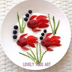 Barnmat – Famous Last Words Kreative Snacks, Kreative Desserts, Cute Snacks, Cute Food, Party Snacks, Party Favors, Toddler Meals, Kids Meals, Creative Food Art