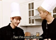 Oh my god XD I want to bake with Tao and Baekhyun! (GIF) Tao's reaction was so manly! I just loved it!