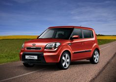 2012 Kia Soul is this year's No. 1 Back-to-School Car according to Kelley Blue Book