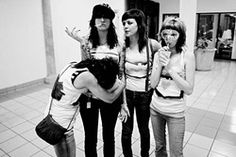 Hanging With Not So Ordinary the Coathangers http://punkpedia.com/news/hanging-with-not-so-ordinary-the-coathangers-6831/