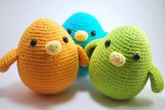 Amigurumi birds on http://jolietricot.com/top-10-quick-projects-to-be-completed-on-a-day/
